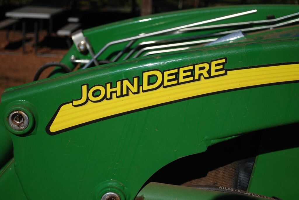 "John Deere 7R z tytułem ""Maszyna Roku 2020"""